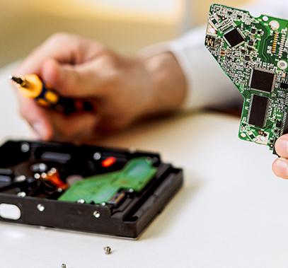 Intervento di assistenza hardware su componenti del computer